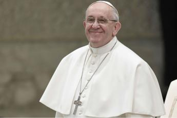 Break from TV and radio can give joy claims Pope