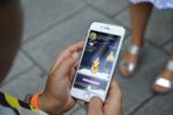 Bimbi troppo digitali? Sì allo smartphone da 80% genitori