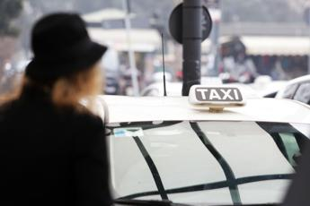 Ecco perché i tassisti ce l'hanno con Uber
