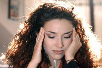 Il neurologo: Contro emicrania troppo fai da te