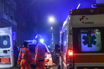 Madre e figlio travolti da camion su A1, morto 30enne
