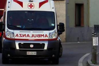Madre e figlia travolte da auto: muore bimba di 3 anni