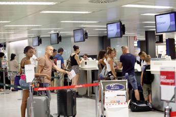 Nuova tassa per chi viaggia in aereo