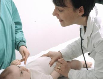 Vaccini, esperto: pediatra figura di riferimento famiglie contro fake news /Video