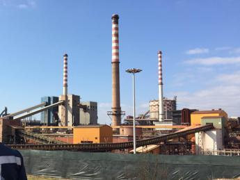 Vendita Ilva, sciopero dei lavoratori dello stabilimento di Taranto
