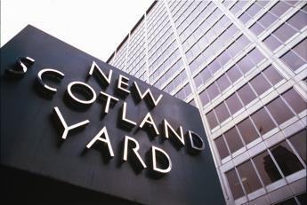 Attacchi con l'acido a Londra, arrestati 2 adolescenti