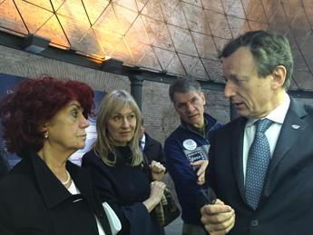 Spazio, Fedeli visita la mostra su Marte con Nespoli e Battiston
