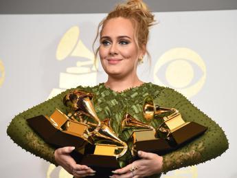 Grammy, Adele vince ancora: nessun premio agli italiani