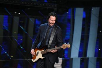 Keanu Reeves, al festival da bassista e fan di Vasco