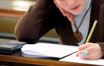 Unife e Bper offrono 3 borse di studio per studenti Economia e Management