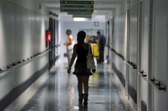 Episodi corruzione in 1 azienda sanitaria su 4 in ultimo anno, indagine Censis
