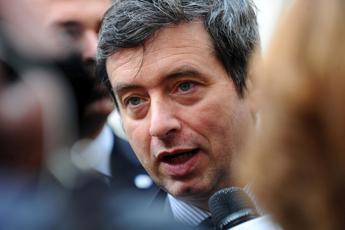 Pd, Orlando: Non sono renziano ma non mi candido contro Renzi