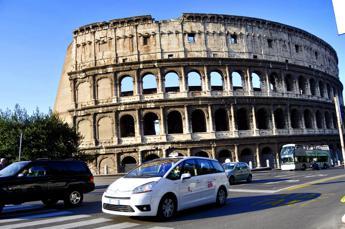 Taxi in rivolta a Roma