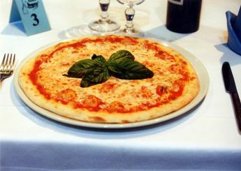 Pizza, ogni italiano ne consuma 8 kg all'anno