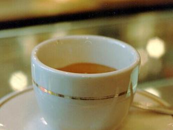 Il caffè non è collegato all'irrigidimento delle arterie, dicono gli studi