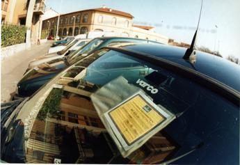 Da assicurazione a revisione, brevetto per scadenze auto a portata di volante
