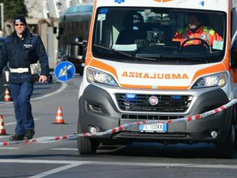 Incidenti: scontro tra auto a Palermo, morta una bimba (2)