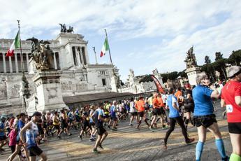 Maratona di Roma, la mappa delle strade chiuse e i bus sospesi