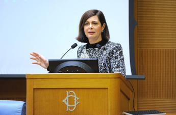 Boldrini: E' interesse nazionale integrare Rom e Sinti