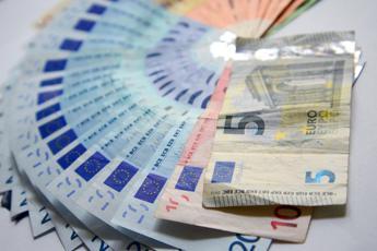 Cresce liquidità delle famiglie, Visco: Tornati a fine anni '80