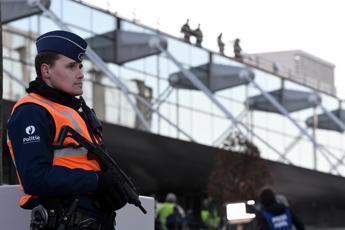 Belgio, arrestato 30enne collegato agli attentati di Parigi