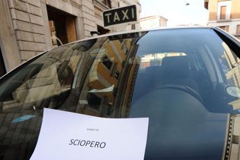 Taxi, Calenda: Fatto un buon accordo, poi protestare è legittimo