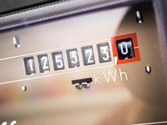 Luce e gas, l'autolettura fa risparmiare davvero?