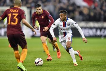 Roma al tappeto anche in Europa, il Lione vince 4-2 in rimonta