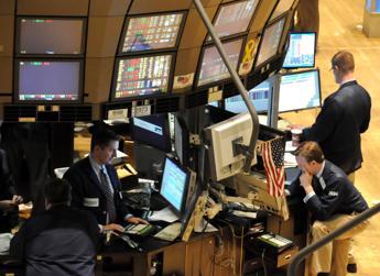Borsa, Ambrosetti sim: Azionariato in crescita, occhio ai test politici