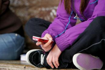 'Una vita da social': Google presenta in Europa nuovo parental control per smartphone