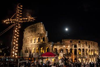 Via Crucis al Colosseo, ecco chi porterà la Croce