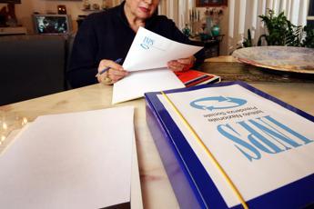 Pensione anticipata, Poletti: Ok da Consiglio di Stato, parte a settembre