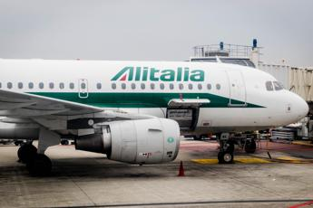 Italian cabinet to name Alitalia commissioners