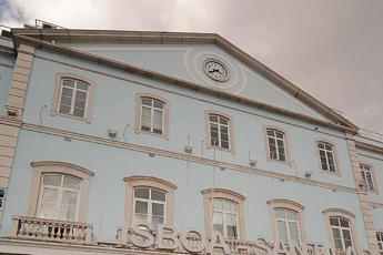 Morbillo killer in Portogallo, morta 17enne