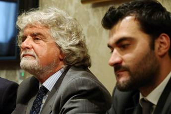 M5S, firme false: Di Vita si sospende