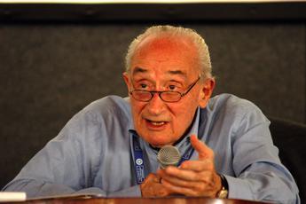 Morto Giovanni Sartori, il politologo aveva 92 anni