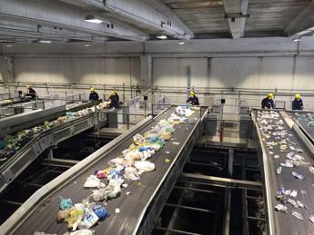 Rifiuti, Conai: contributo ambientale differenziato spinta a innovare