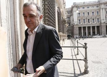 Coronavirus, Rossi: Giochi politici per far cadere governo