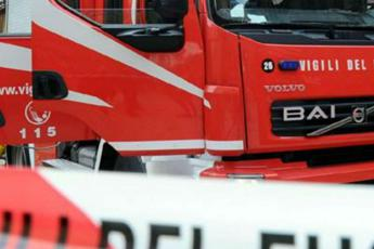 Roma, roulotte in fiamme: grave 74enne