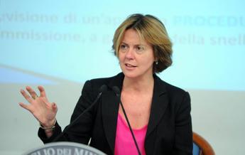 Lorenzin: Sì a modifiche ma non snaturare decreto vaccini