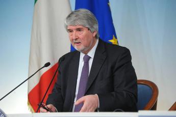 Poletti: Sui voucher scelte definite, non credo alla crisi governo