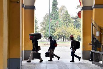 Tasse più alte per chi ospita migranti, l'idea della sindaca Pd
