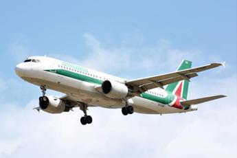 Alitalia, dal governo via libera a pubblicazione bando