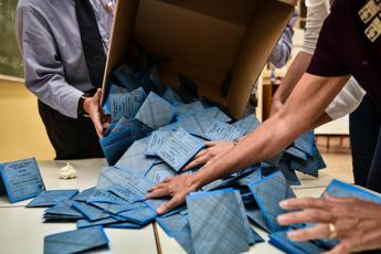 Legge elettorale Regge l'accordo