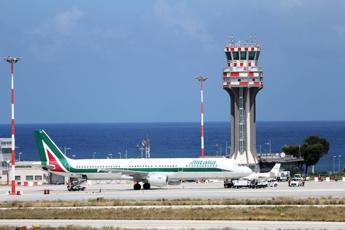 Alitalia, ecco le linee guida dell'Europa sulle compagnie aeree