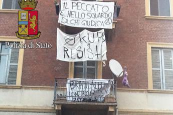 Milano, polizia sgombera palazzina in via Gadames