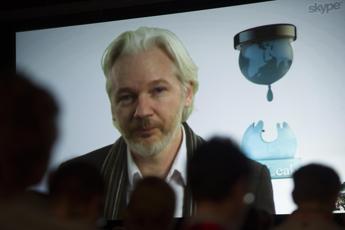 Wikileaks, chiusa indagine su Assange per stupro