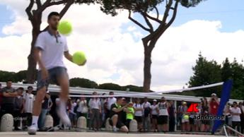 Bnl porta al Foro Italico lo spettacolo del freestyle tennis /Video