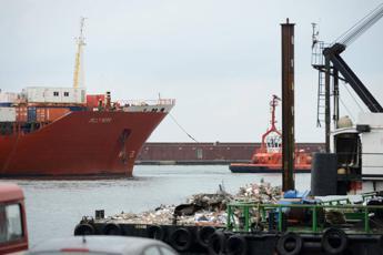Genova: condanne dimezzate per incidente Jolly Nero. Rabbia familiari vittime