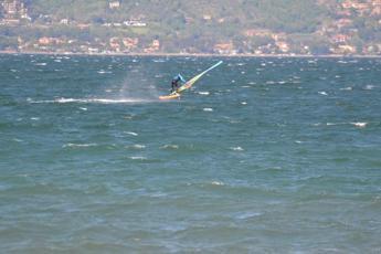 In windsurf per il lago, a Bracciano l'appuntamento sportivo 'green'